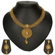 Pourni Stylish Brass Necklace Set_Prnk22 - Golden