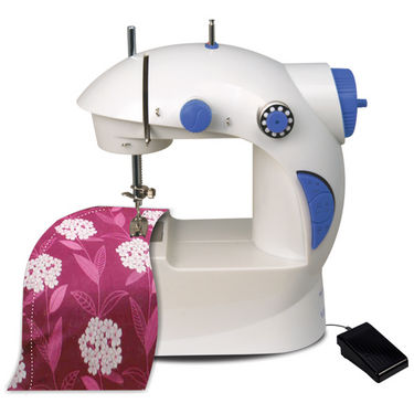 Deals | Flat 400 OFF on mini sewing machine