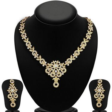 Sukkhi Stunning Gold Plated Necklace Set - Golden - 2167NADL1400