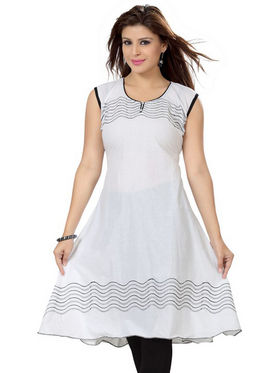 Ishin Poly Cotton Printed Kurti - White_ADNK-294