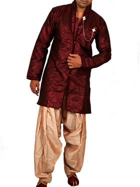 Runako Regular Fit Silk Brocade Kurta Pyjama For Men - Maroon_RK4031